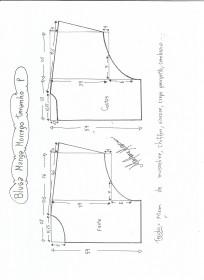 Esquema de modelagem de blusa manga morcego tamanho P.